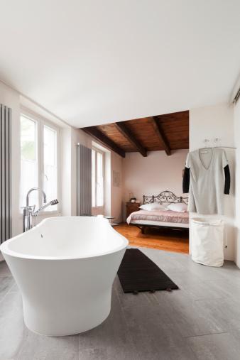 am nager une salle de bain ouverte homebyme. Black Bedroom Furniture Sets. Home Design Ideas