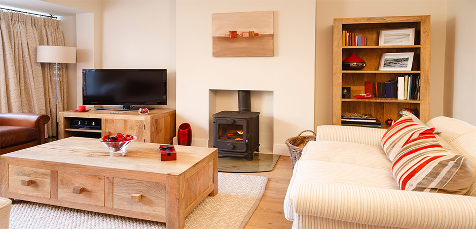 Living Room Decorating Ideas On A Budget: Find How To Manage Your Interior Layout